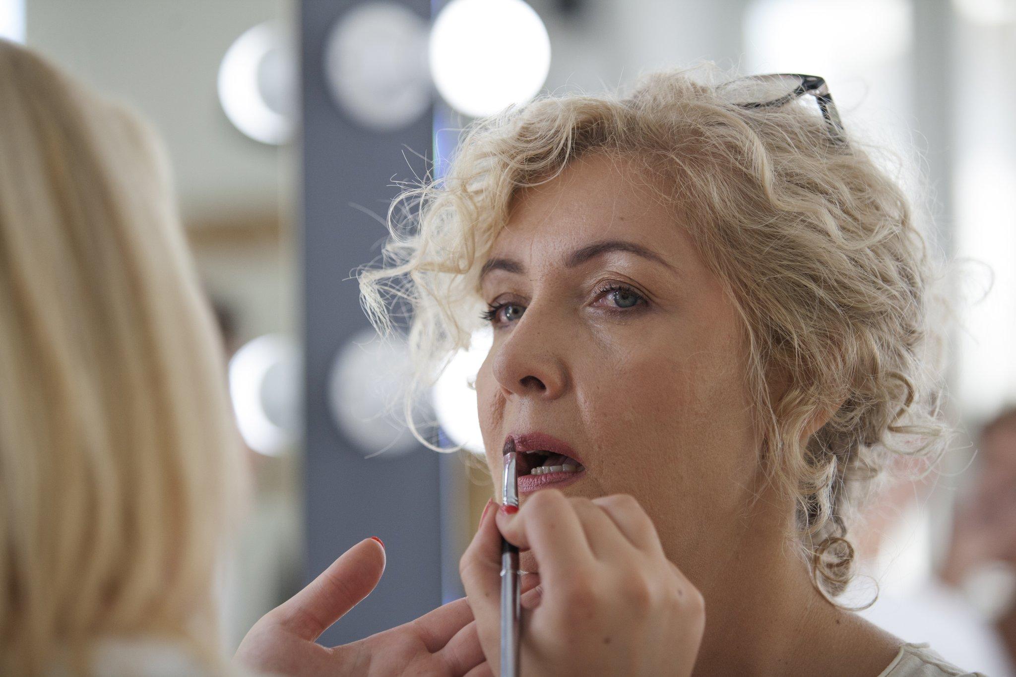 1. stupanj tečaja šminkanja